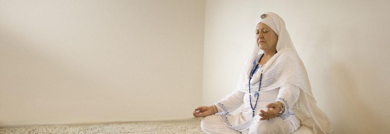 ravi-meditando